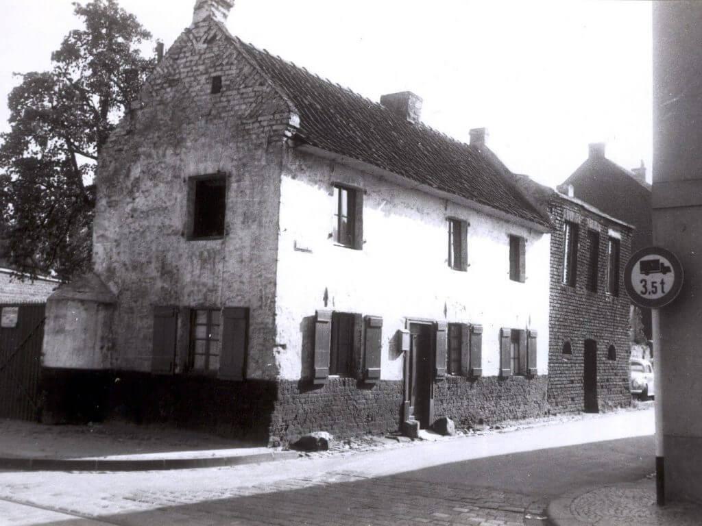 Torwächterhaus ca. 1950 (Quelle: Der Oberbürgermeister, Stadtarchiv Krefeld)