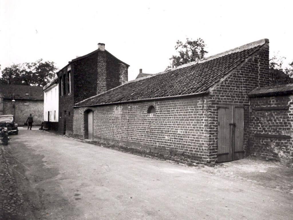 Torwächterhäuschen und Spritzenhaus von der Mauerstraße aus (Quelle: Der Oberbürgermeister, Stadtarchiv Krefeld)