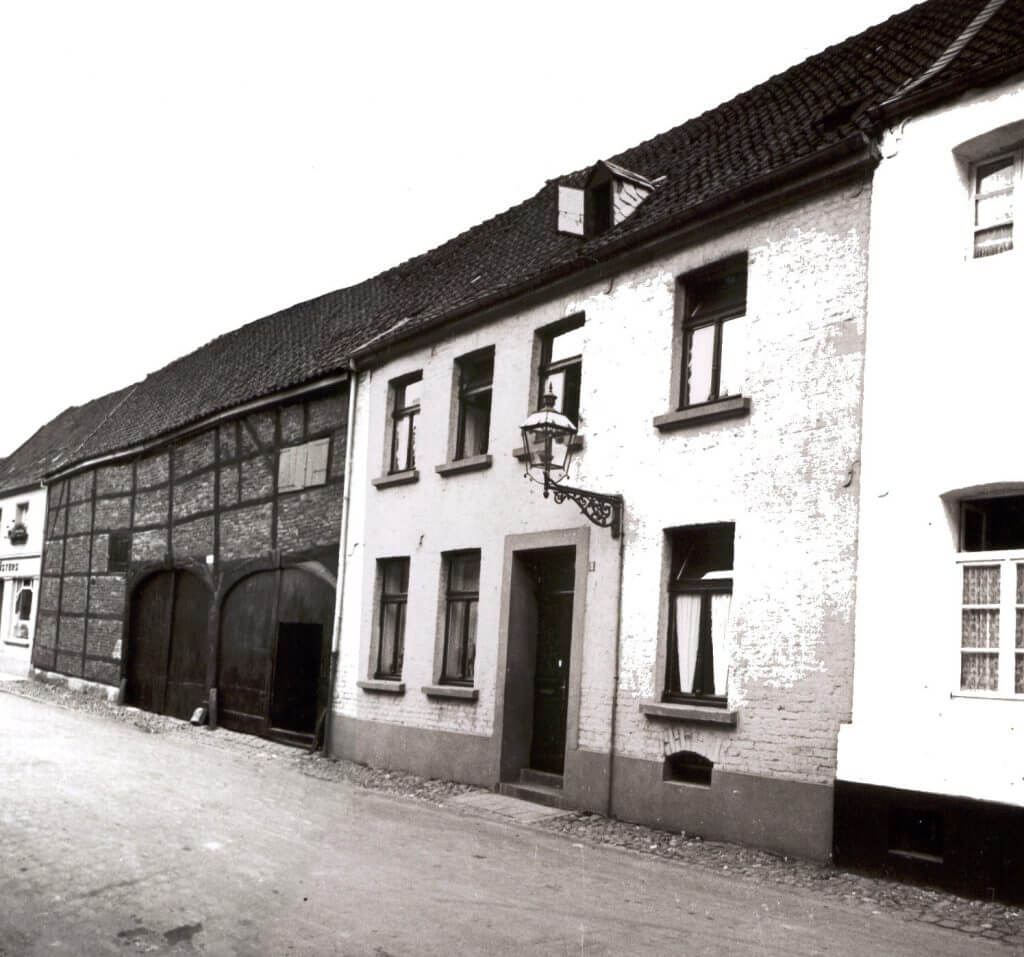 Issumer Str. 7 & 9 im Jahre 1938 (Quelle: Der Oberbürgermeister, Stadtarchiv Krefeld)