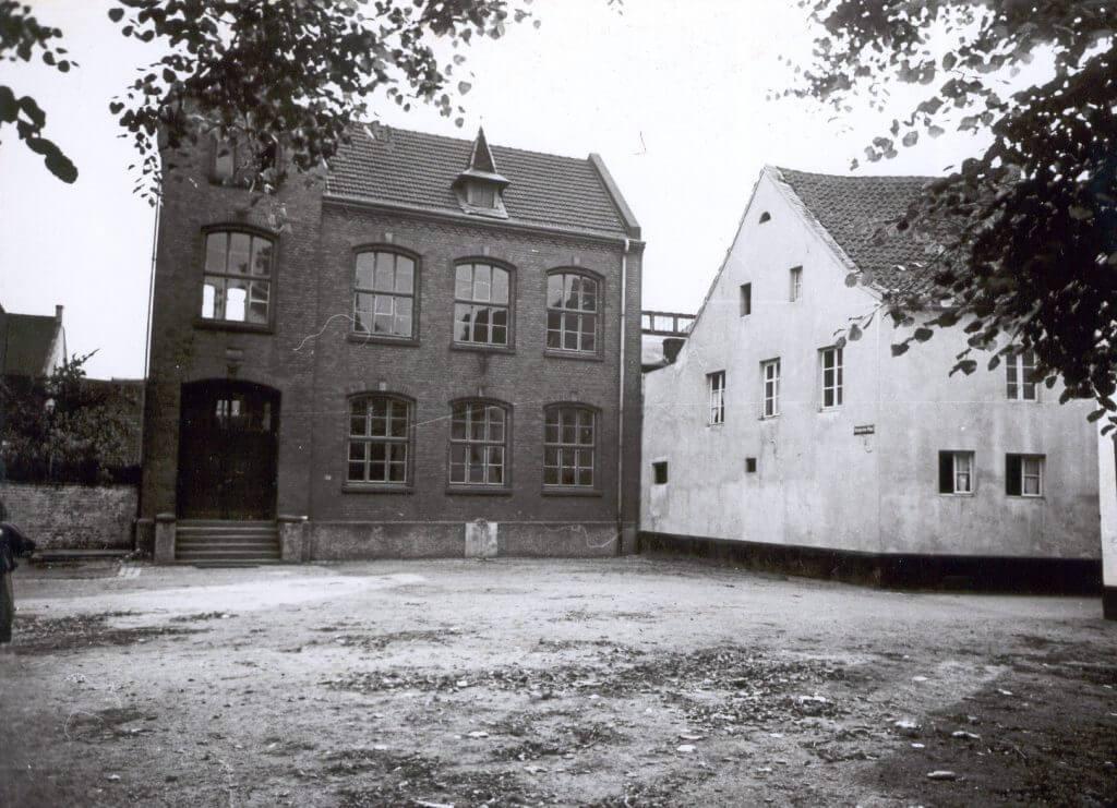 Rote Schule im Jahre 1938 (Quelle: Der Oberbürgermeister, Stadtarchiv Krefeld)