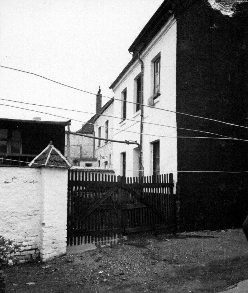 Rheinbabenstr. 102 im Jahre 1938 (Quelle: Der Oberbürgermeister, Stadtarchiv Krefeld)